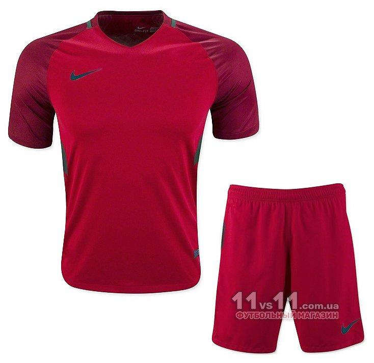 Футбольная форма Nike – купить с доставкой в Киев, Харьков, Одессу ... e32a6d61ddb